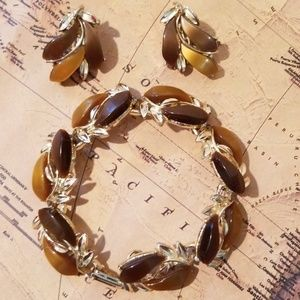 Vintage Bakelite Bracelet & Earrings set